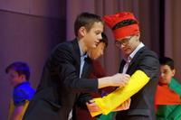 Новогодняя конкурсная развлекательная программа для учащихся 7-8 классов «Даёшь Новый год!»