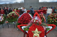 Вахта памяти на Пискаревском мемориальном кладбище